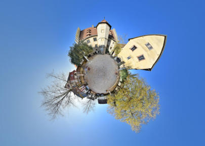 Little Planet Sommerhausen - Schlosshof